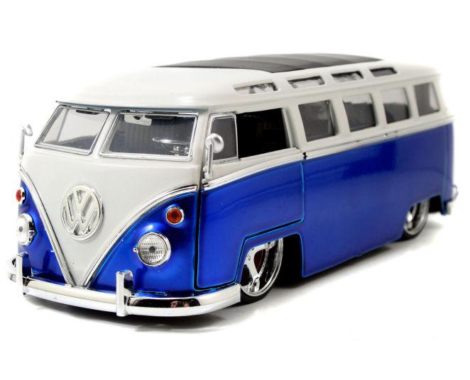 1:24   1962   BKT  VW  Bus