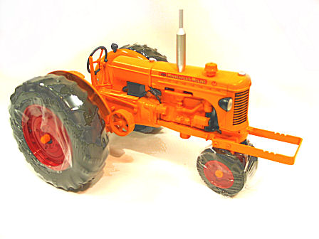 1:16 Minneapolis Moline U  Puller Tractor