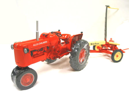 1:16  Allis Chalmers D-14 Tractor Narrow LP gas with New Idea