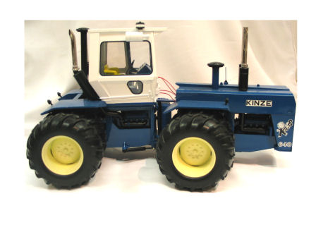 1:16 Tractor Kinze Big Blue