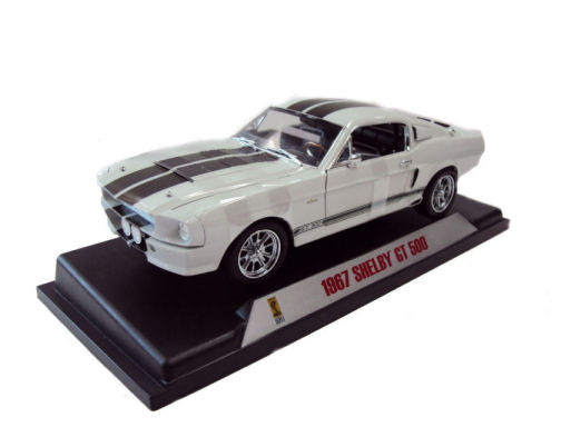 1:18  1967 Ford Shelby Mustang GT500 White with Chameleon Stripes Paint