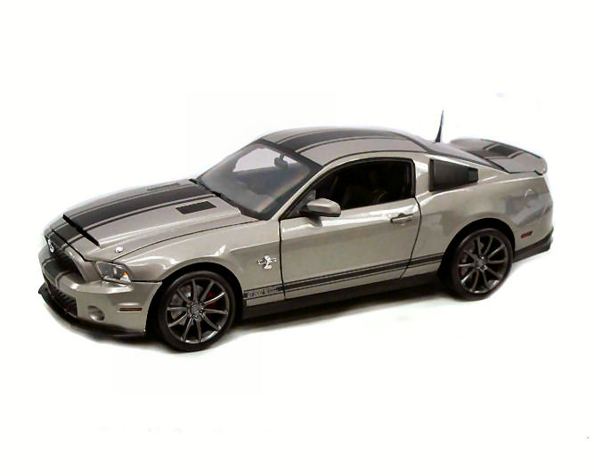 1:18  2011 Ford Shelby Mustang GT500 Super Snake Light