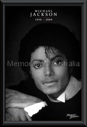 Michael Jackson B/W Poster Framed :: Michael Jackson :: Music ...