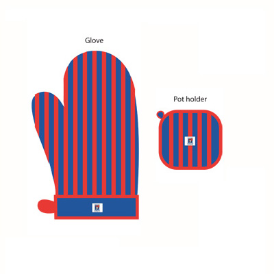 Newcastle Knights Oven Glove and Potholder Set